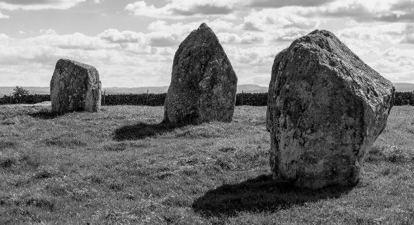 Long Meg : Western arc stones   Photo © Ahl1 (Flikr)
