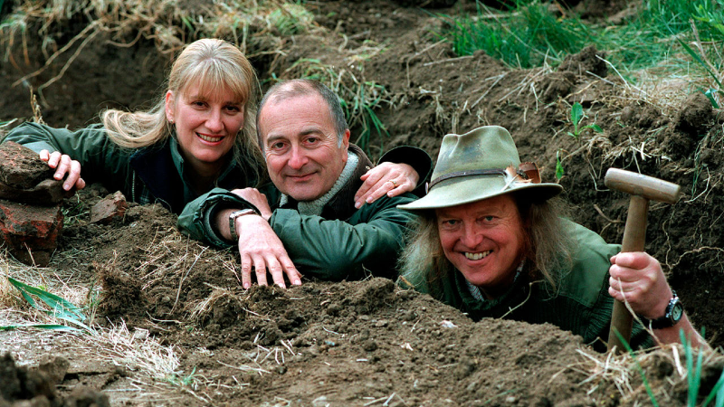Time Team's Carenza Lewis, Tony Robinson and Phil Harding with Mick Aston